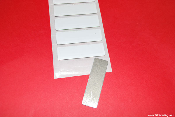 RFID UHF label for metal